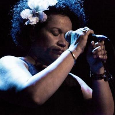 Vika Bull as Etta James